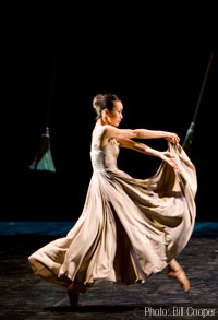 Keiko Amemori in Angels in the Architecture - Photo by Bill Cooper