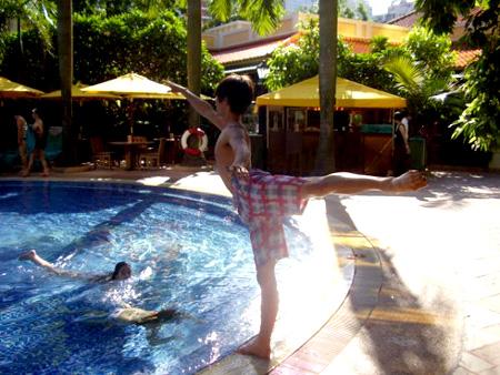 Yoshi prepares for the pool